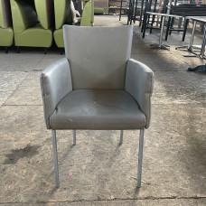 Кресла б/у кожзам серые (под перетяжку)
