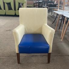 Кресла б/у кожзам молочные с синим сиденьем