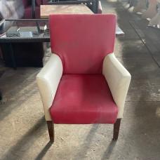 Кресла б/у кожзам молочные с красным