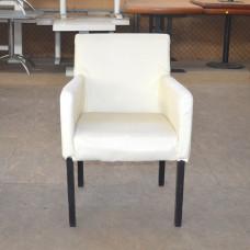 Кресла б/у кожзам молочные