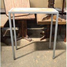 Стол барный б/у на 4 ногах